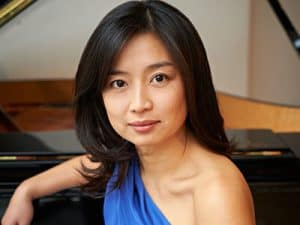 Winner of the BBC Best Newcomer of the Year award, Mei Yi Foo dazzled critics and audiences with her 'liberating' and 'virtuoso display' (The Times) at the prestigious BBC Music Magazine Awards 2013.
