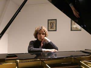 Sophia McKett, Piano