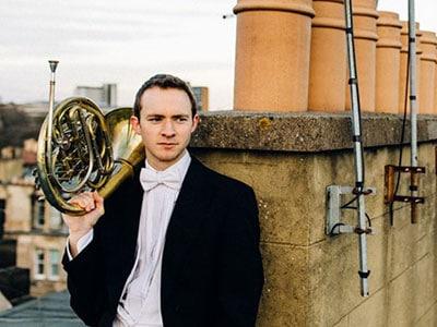 Alec Frank-Gemmil, Horn