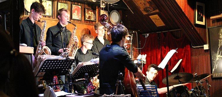 Jazz Combo perform in Hong Kong Tour
