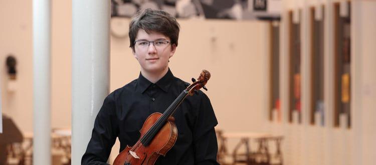 Dawid Kasprzak, violin specialist, participated in the Menuhin Competition Richmond 2021